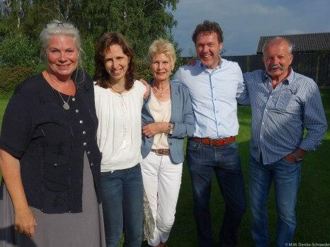 v.l.n.r.: ik, Annemieke van Niekerk, tante Els, Doke van Niekerk, oom Reiner
